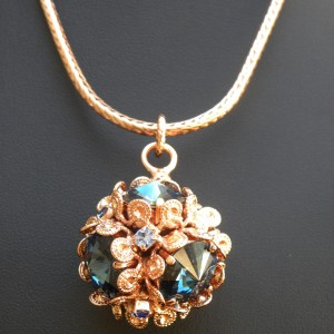 Rose gold  Globular necklace